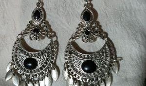 3/$25🎉  BNWT  Silver Dreamcatcher New Earrings